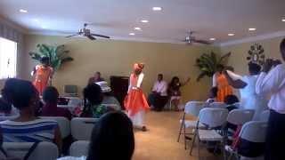 James Fortune ft Tasha cobbs-We give you Glory Praise Dance