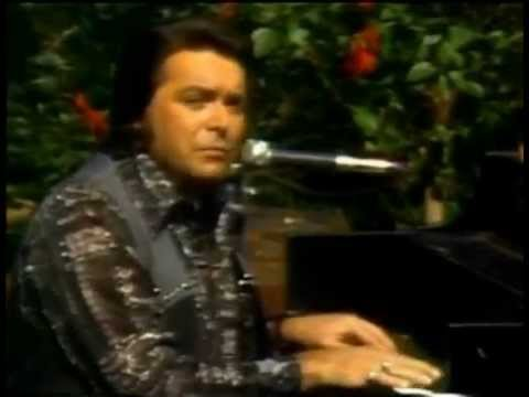 Mickey Gilley - Window Up Above