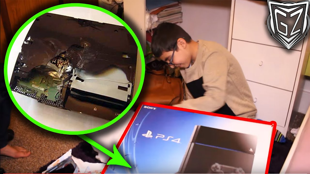 FAKE PS4 Christmas Present (PRANK GONE WRONG) - YouTube