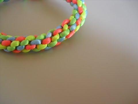 d576796cf5bc Como hacer pulseras redondas de hilos de plástico o cola de ratón   Fácil  VER DESCRIPCCIÓN