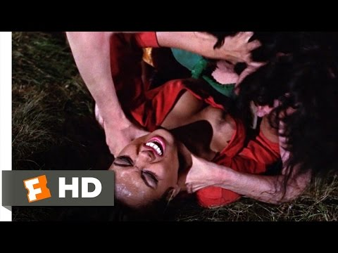 From Russia with Love (2/10) Movie CLIP - Gypsy Catfight (1963) HD