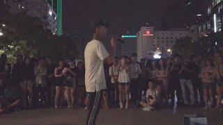 Live ĐIỀU KHÁC LẠ - ĐẠT G live tại Phố Đi Bộ Nguyễn Huệ cùng team Street Boys