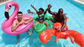 getlinkyoutube.com-FAMILY POOL OLYMPICS CHALLENGE!! Playtime In The Pool - Kids Summer Fun Activity