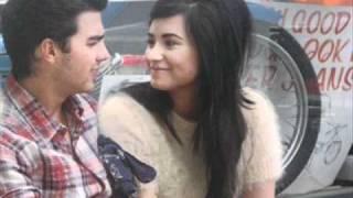 Joe Jonas & Demi Lovato - Love The Way You Lie (Jemi)