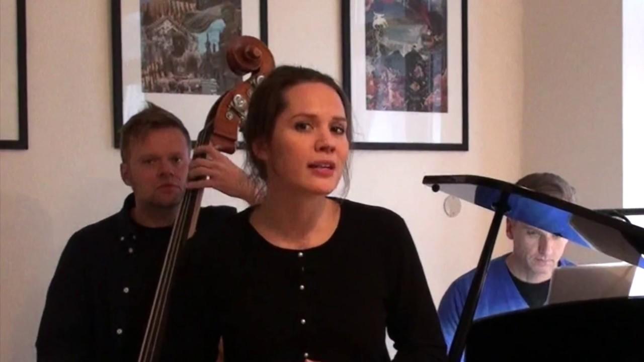 Amalie Dollerup jul med amalie dollerup - på tur