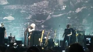 Roger Waters (with Eddie Vedder) Comfortably Numb at United Center July 23, 2017