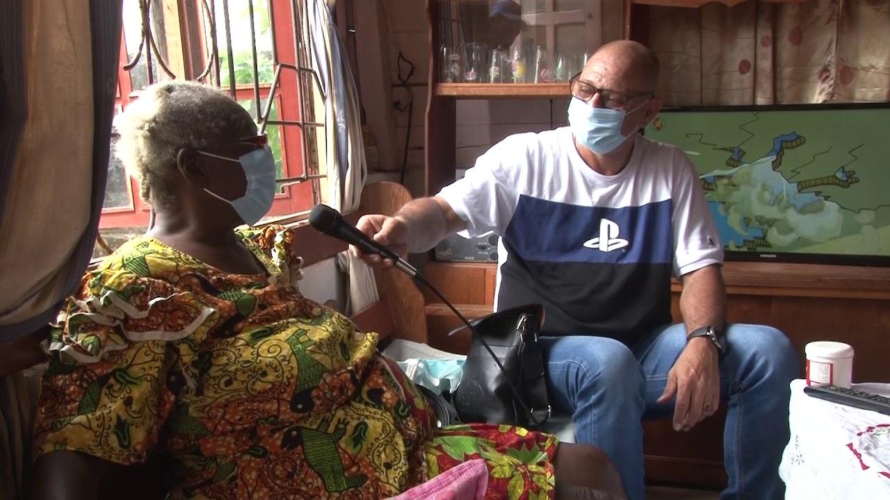 Oma Inge krijgt antenne van donateurs als donatie