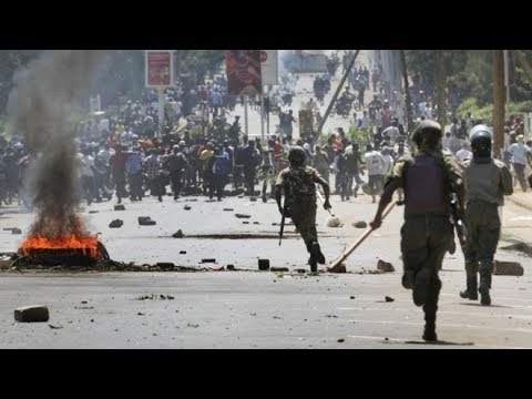 Resilient Kisumu residents hold off police from entering the city center