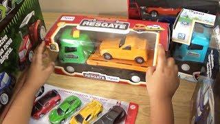 Brincando com caminhão reboque caminhão cegonha e carros de corrida