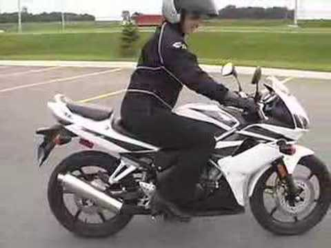 honda cbr 125 youtube. Black Bedroom Furniture Sets. Home Design Ideas