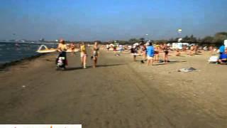 Anapabest.ru: городской пляж в конце сентября / Анапа(Сентябрь в Анапе, как известно, это бархатный сезон. Мноого туристов предпочитают отдых в Анапе именно в..., 2011-12-08T21:23:47.000Z)