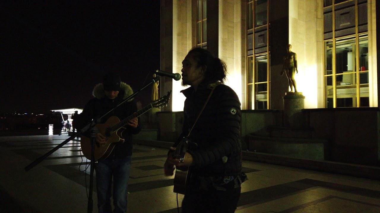 Mengamen Di Eiffel Paris [ ANGING MAMIRI ] - Lagu Daerah Makassar