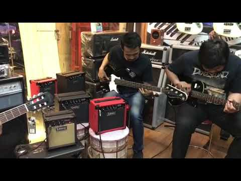 Laney LA10 acoustic and Laney Lx10 - play through indonesia