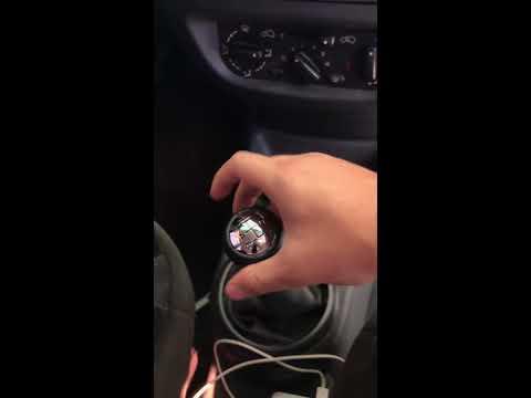 Como trocar a manopla do câmbio - Citroën C3