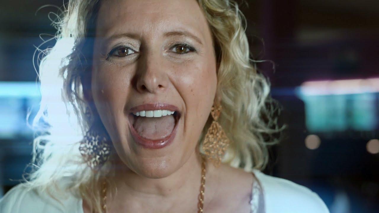 VIDEOCLIP: Trisha - De Hoogste Tijd