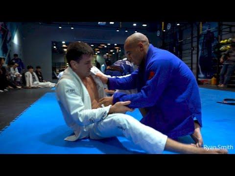 Demian Maia Rolling BJJ With AOJ Black Belt Johnatha Alves
