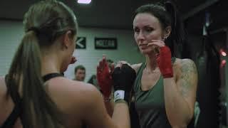 Женские тренировки в ACADEMY MMA