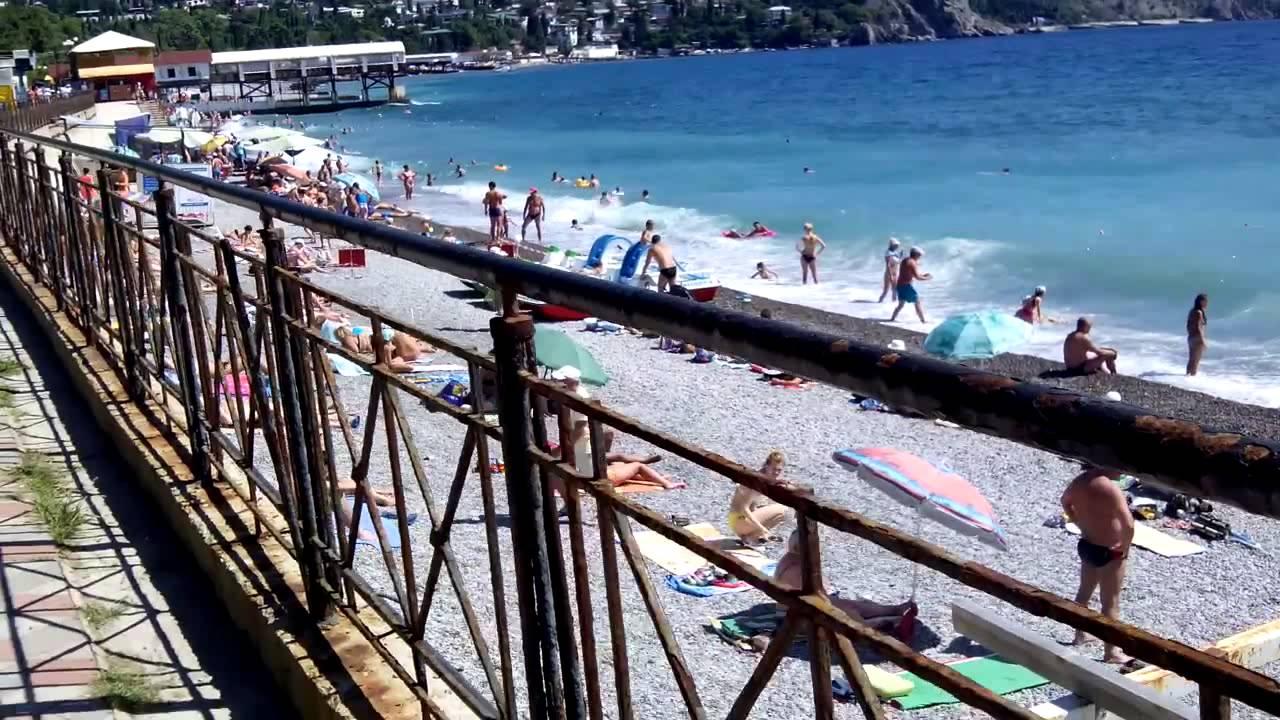 Гурзуф,Крым 22 июля народу немеренно .