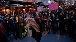 Canlı | İstanbul'daki Kadınlar Günü yürüşüne polis müdahalesi