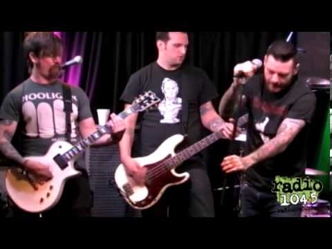 Senses Fail - Radio 104.5 - Mi Amor