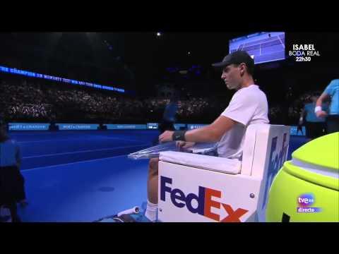 Tomas Berdych gets humiliated by ballgirl (HD)