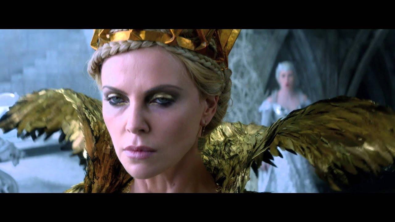 Il cacciatore e la regina di ghiaccio spot italiano - Specchio di biancaneve ...