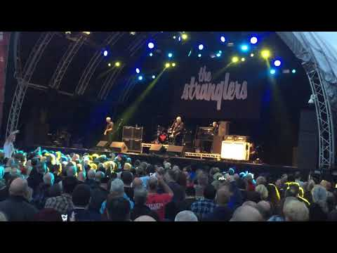The Stranglers Golden Brown Live 26.08.17 Belfast Custom House Square