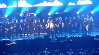 11/11 WONDERFUL CHRISTMAS TIME - PAUL McCARTNEY & THE LIPA CHOIR LIVE 2011 [HD] - MANCHESTER ARENA