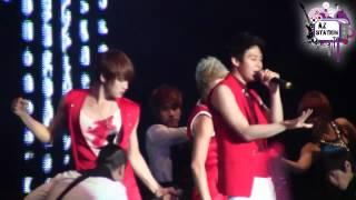 AZ estuvo presente en el concierto de JYJ en Perú en el estadio mon...