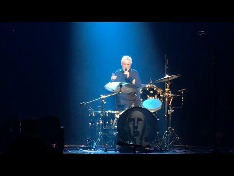 Queen + Adam Lambert - Roger Taylor drum batlle + band introduction (Helsinki 19.11.2017)