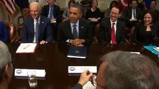 President Obama jokes with Netflix CEO at tech leaders meeting