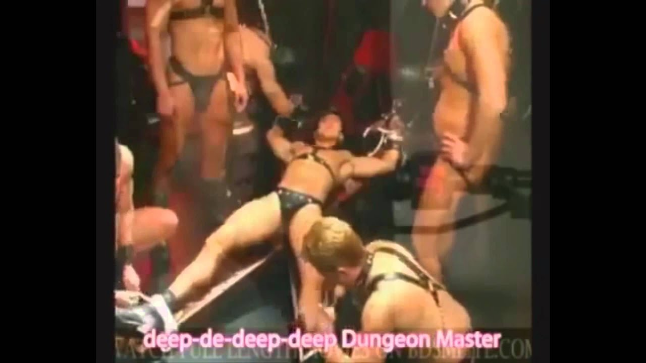 Chinese mistress fuck slave girl ass