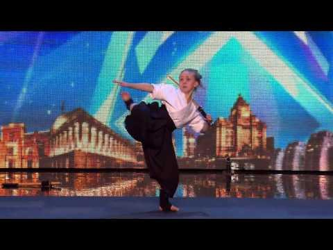 9 Yaşındaki Karateci Kızdan Muhteşem Show! (Don't Mess With Karate Kid Jesse!)