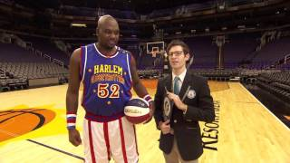 World Record Farthest Blindfolded Basketball Hook Shot! | Harlem Globetrotters