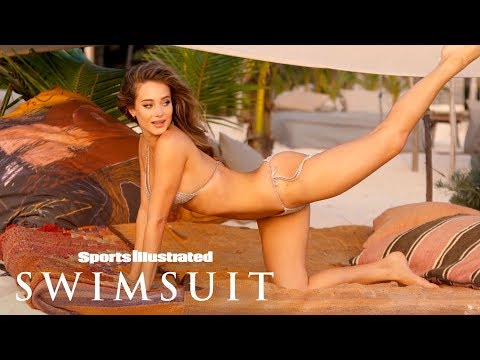 Hannah Jeter Shows You How Flexible She Can Get In Mexico | Sports Illustrated Swimsuit