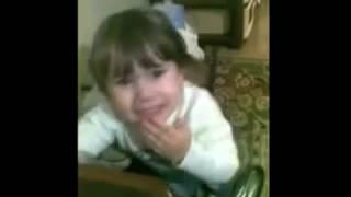Маленькая девочка до слёз хочет замуж