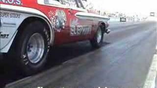 Wheelstanding 1962 Dodge Max Wedge Super Stock