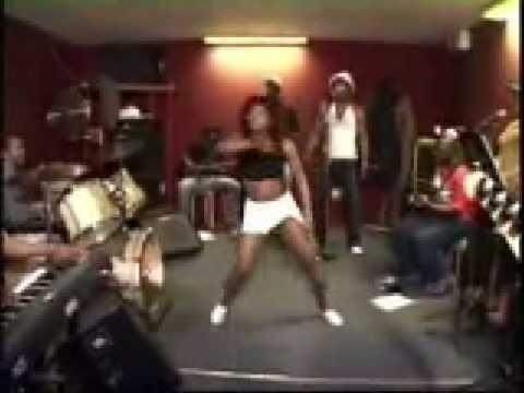Congo (Zaire) - Awilo Longomba - Dance Practice