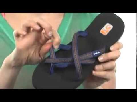 4135d5b2cbbe Teva Olowahu W s Bundle 2-Pack SKU  8050117 - YouTube