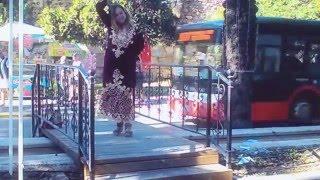 Сексуальная красавица турчанка исполняет национальный турецкий танец на улице Анталии.[Sky Angel](В оригинале звучала композиция, которая защищенная авторским правом: Habebtoh ,I-Media Production. К сожалению я не смог..., 2015-12-06T14:27:01.000Z)
