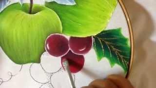 Pintando uvas azuis em tecido