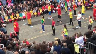 Video Saint Paul en fête 2014 - Bara bara bere (Alex Ferrari) download MP3, 3GP, MP4, WEBM, AVI, FLV Mei 2018