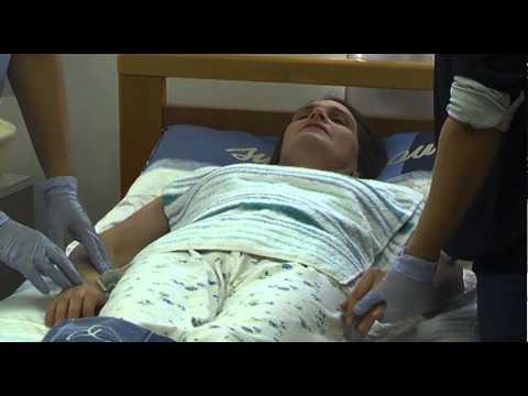 Posizionamento pannolone doovi - Mobilizzazione paziente emiplegico letto carrozzina ...