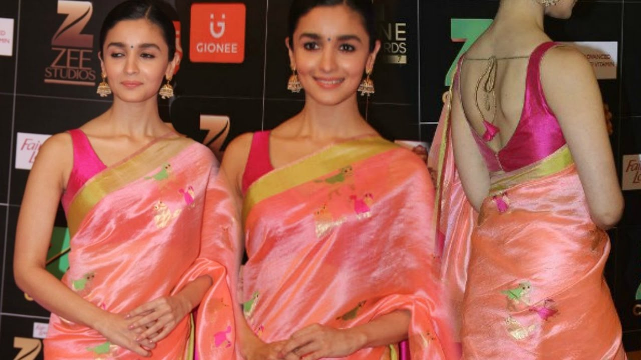Alia Bhatt oozes sexiness in Saree - Hot Photos Inside