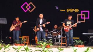 Download Video 4 Serangkai - Smoke On The Water (live) MP3 3GP MP4