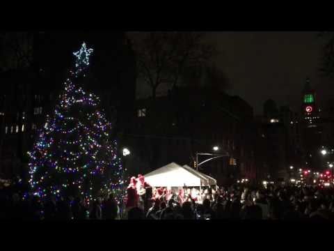 Christmas Caroling at Gramercy Park in NYC 2016