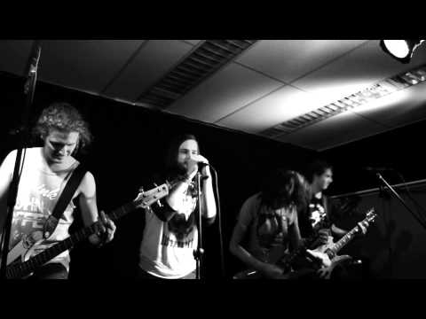Roundabouts – Nightrain [GunsNroses Cover] Rock Store 22/11/13