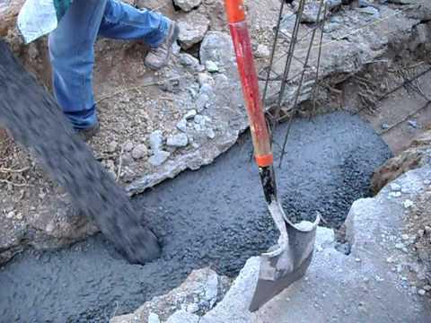 Colando el concreto de la barda perimetral youtube for Como se construye una piscina de concreto