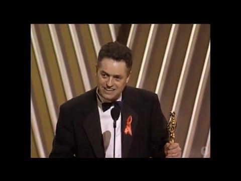 Jonathan Demme Wins Best Directing: 1992 Oscars