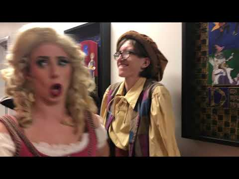 Whitney and Britney Chicken Divas from YouTube · Duration:  4 minutes 43 seconds